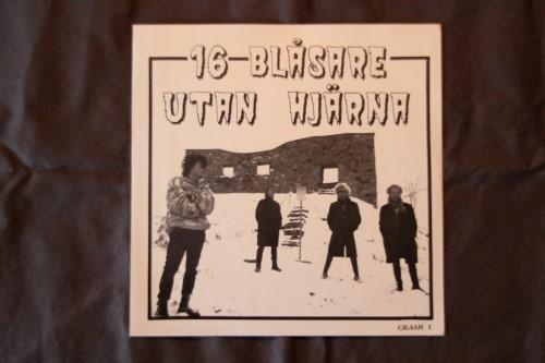 16 Blåsare Utan Hjärna, Martial Mosh – Split (Vinyl Single)