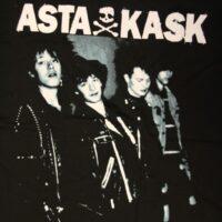 Asta Kask – Välkommen Hem (Svart T-S)