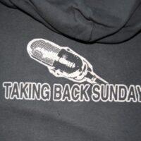 Taking Back Sunday – Microphone (Hood/Munkjacka)