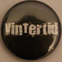 Vintertid – Svart/Logo (Badges)