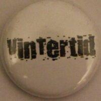 Vintertid – Vit/Logo (Badges)