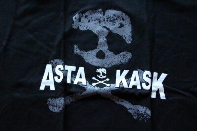 Asta Kask - Grey Skull/Japan Tour (Black T-S)