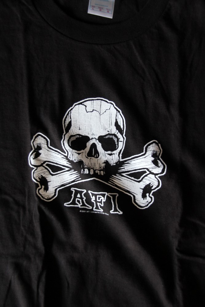 AFI - Crossbone/Skull (T-S)