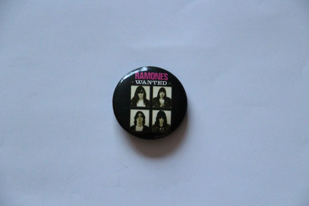 Ramones - Wanted (Badges)