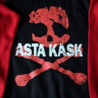 Asta Kask – Rough Red Skull/Logo (Black/Red, Baseball Zip Hood)