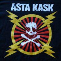 Asta Kask – Blixtar/Skalle (Svart T-Shirt)