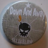 Down And Away – Skull/Logo (Badges)
